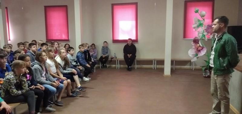 В Твери полицейские и общественники встретились с подростками