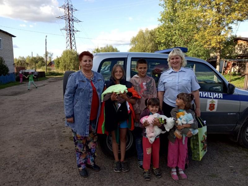В Тверской области полицейские провели акцию «Собери ребенка в школу»