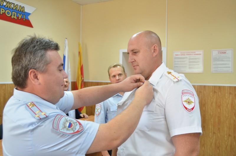 В Твери сотрудников патрульно-постовой службы полиции поздравили с профессиональным праздником