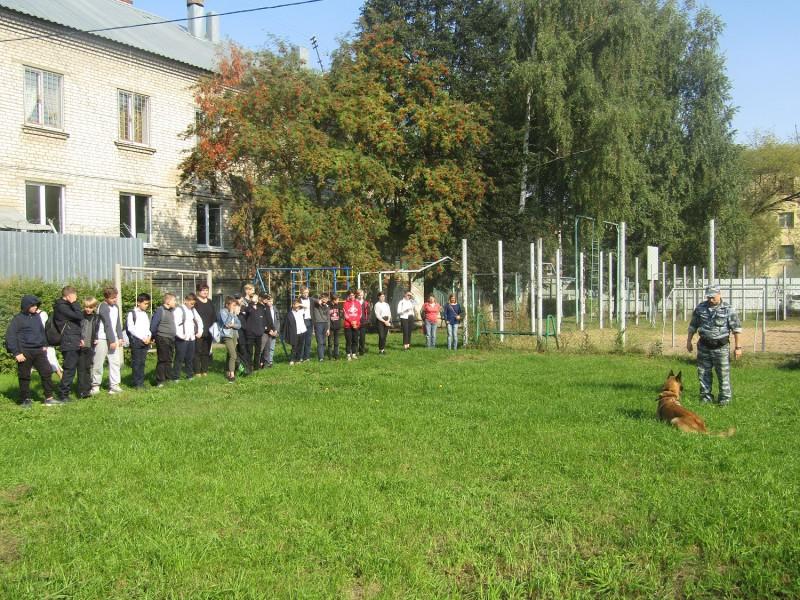 Школьники посетили Центр временного содержания для несовершеннолетних правонарушителей