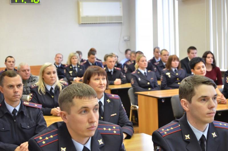 Начальник УМВД России по Тверской области поздравил сотрудников Управления по работе с личным составом