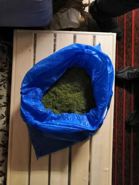 В Тверской области сотрудники полиции задержали подозреваемого в незаконном обороте наркотиков