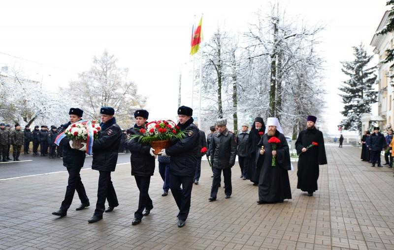 В Твери почтили память сотрудников органов внутренних дел, погибших при выполнении служебного долга