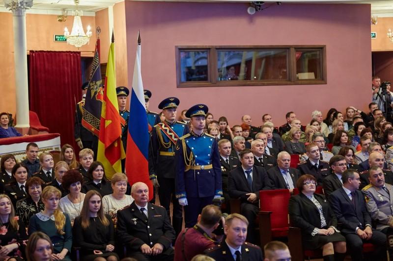 В преддверии Дня сотрудника органов внутренних дел России в Твери состоялось торжественное собрание