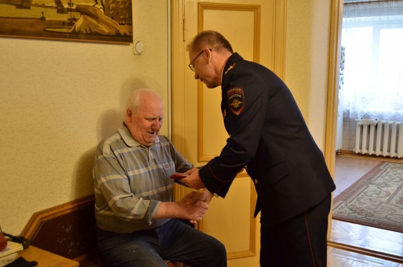 Начальник УМВД России по Тверской области поздравил ветеранов с Днем сотрудника органов внутренних дел