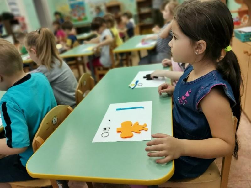 Конаковские автоинспекторы рассказали воспитанникам детского сада о важности световозвращателей