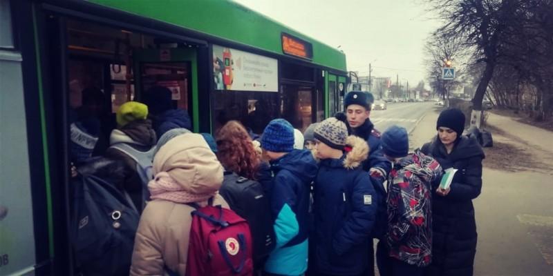 В областном центре сотрудниками Госавтоинспекции проведена акция «Автобус безопасности»