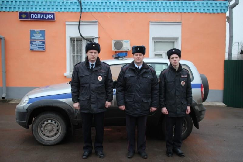 В Тверской области сотрудники полиции разыскали пенсионера, заблудившегося в лесу