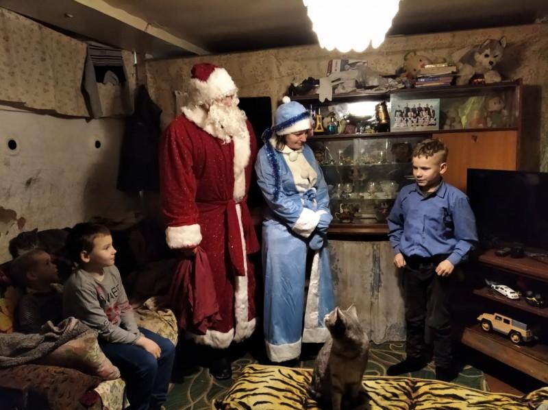 В Тверской области стражи порядка присоединились к Всероссийской акции «Полицейский Дед Мороз»