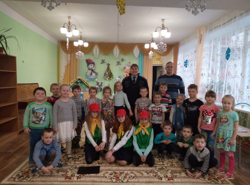 В Тверской области полицейские совместно с отрядом ЮИД провели мероприятие «Пешеход в безопасности»