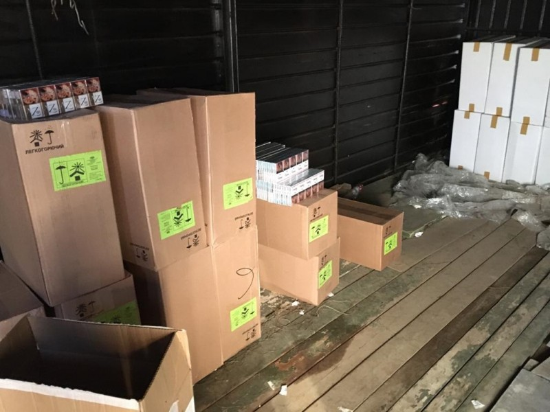 В Твери полицейские изъяли крупную партию фальсифицированной табачной продукции
