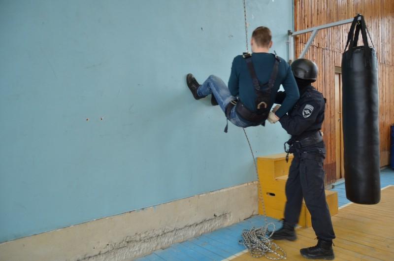 Сотрудники Управления по контролю за оборотом наркотиков УМВД России по Тверской области встретились со студентами