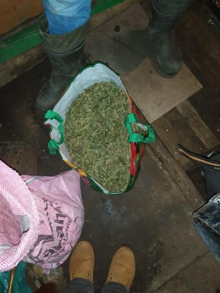 В Тверской области полицейские задержали подозреваемого в незаконном хранении наркотиков в крупном размере