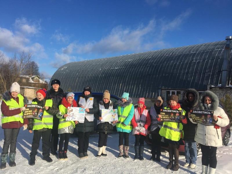 Сотрудники Госавтоинспекции Тверской области провели обучающее занятие для школьников на маршруте «дом-школа-дом»