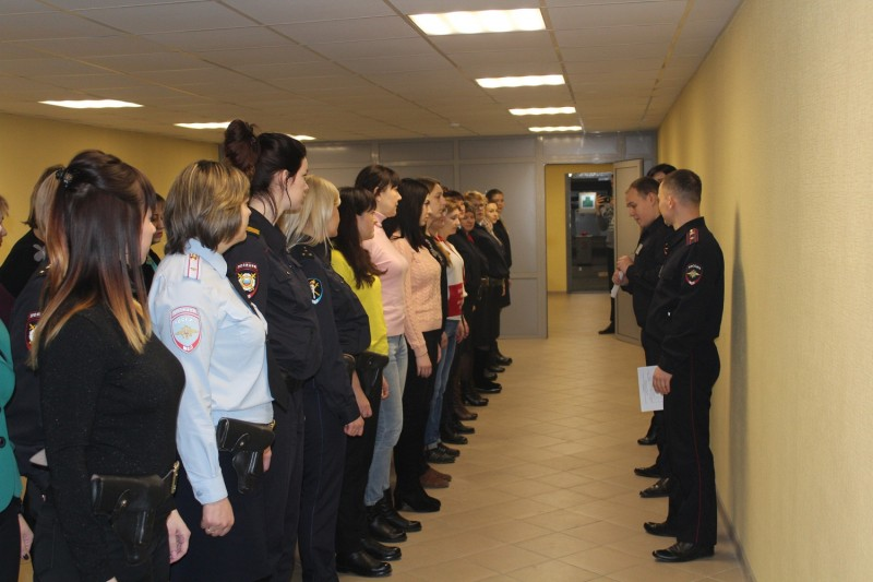 В Твери состоялся турнир по стрельбе из боевого оружия среди женщин-полицейских