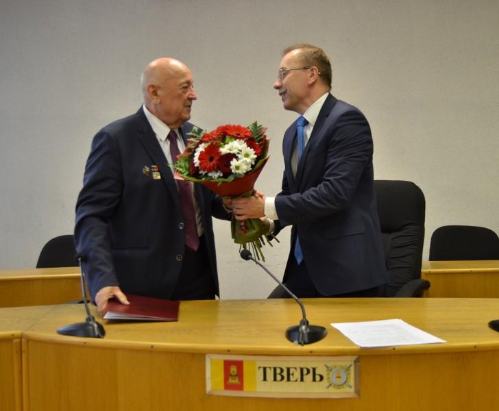 Руководство УМВД России по Тверской области поздравило ветерана ОВД с 85-летним юбилеем