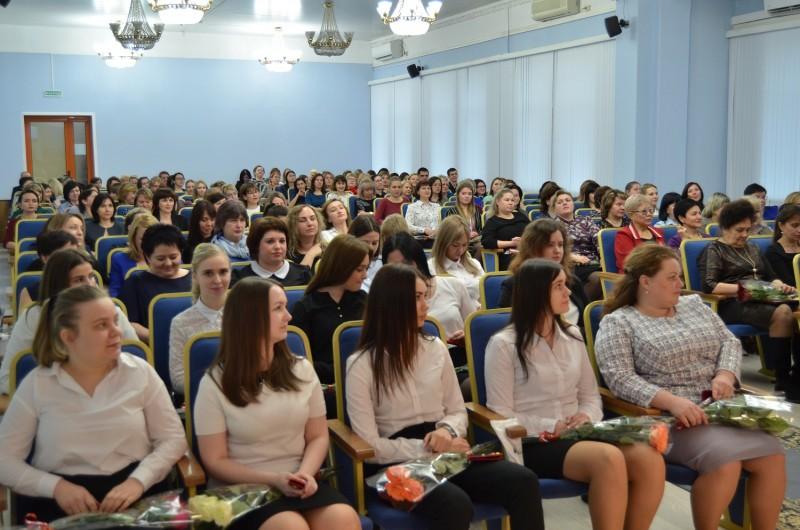 Начальник Управления МВД России по Тверской области поздравил личный состав с Международным женским днем