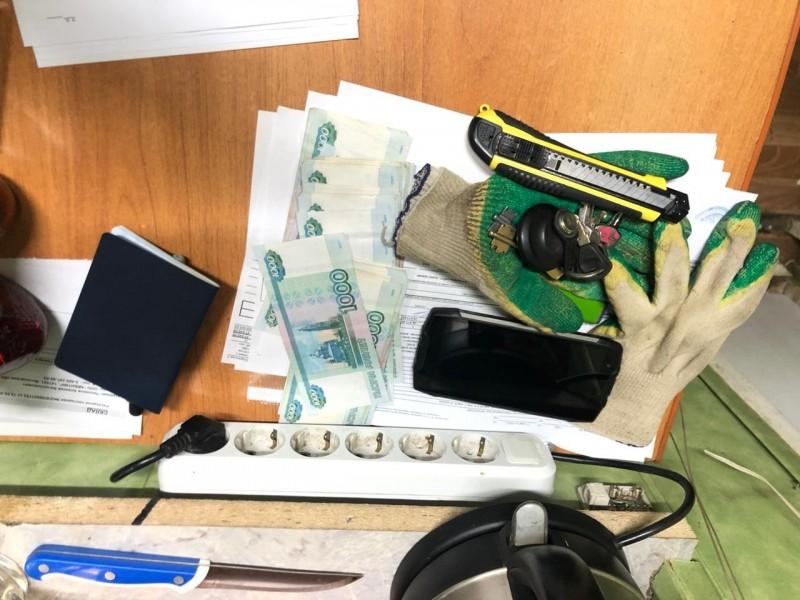 В Твери полицейские обнаружили склад с фальсифицированным алкоголем