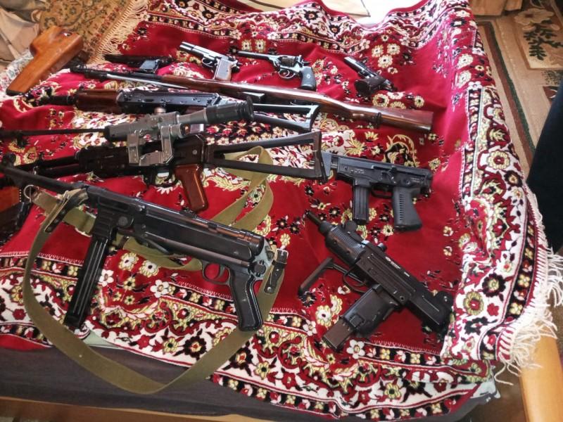 В Твери полицейскими задержан подозреваемый в незаконном хранении оружия и боеприпасов