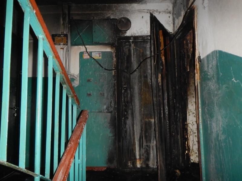 Сотрудники полиции задержали подозреваемого в совершении умышленного повреждения имущества местной жительницы.