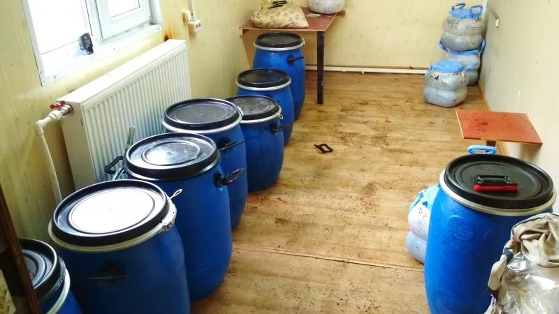В Тверской области полицейские пресекли незаконное хранение и сбыт немаркированных табачных изделий в крупном размере