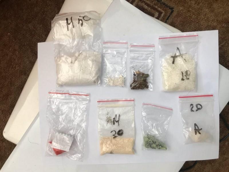 В Тверской области полицейские задержали подозреваемого в хранении наркотических средств