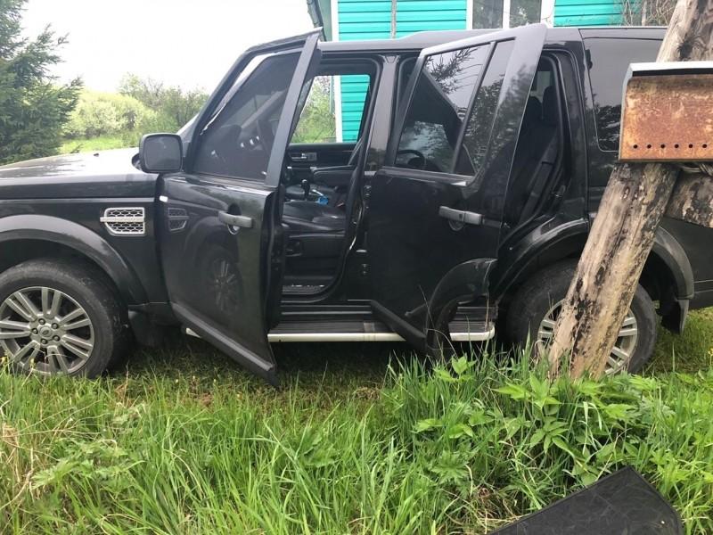 В Тверской области полицейские задержали подозреваемого в совершении кражи дорогостоящего автомобиля иностранного производства