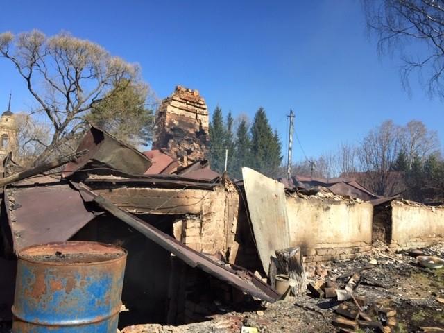 В Тверской области сотрудники полиции задержали подозреваемую в умышленном поджоге жилого дома