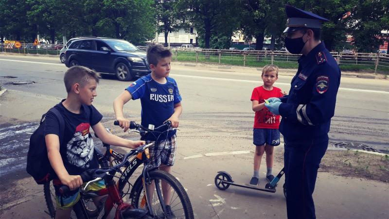 В Твери сотрудники ГИБДД провели акцию «Мой друг – велосипед!»