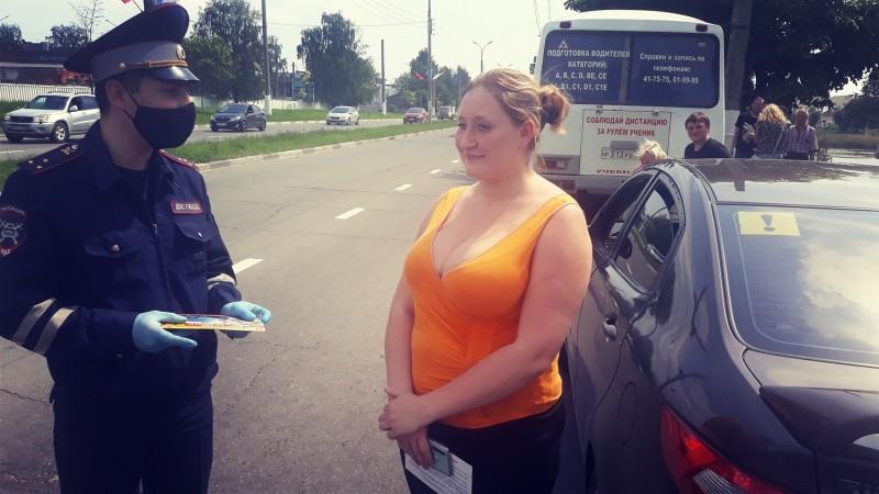 В Твери сотрудники Госавтоинспекции провели акцию «молодой водитель»