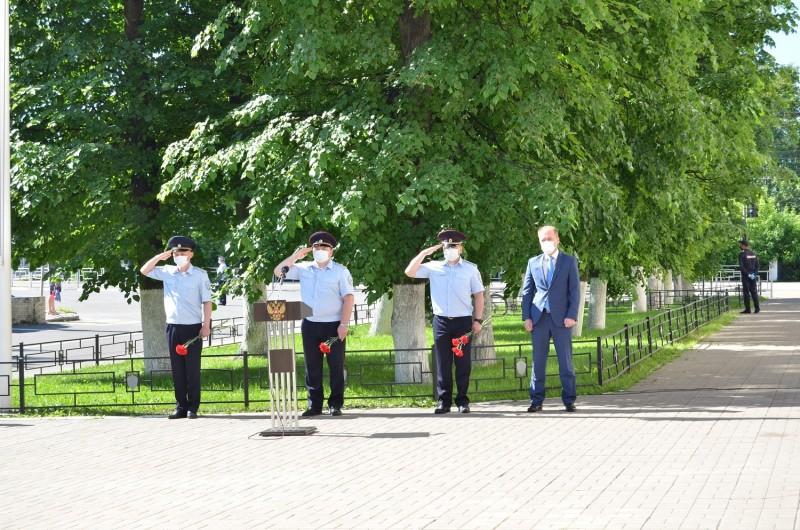 В День памяти и скорби сотрудники УМВД России по Тверской области приняли участие в Общероссийской социальной акции «Завтра была война»
