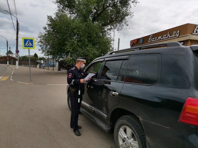 В Твери инспекторы ГИБДД провели акцию «Автокресло – залог безопасности!»