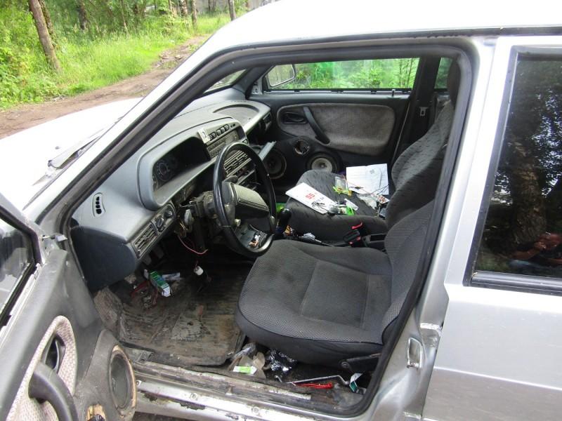 В Твери полицейские раскрыли угон автомобиля из гаража