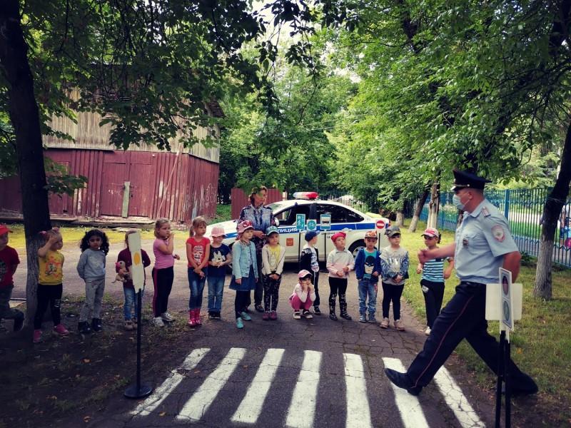 В Твери полицейские провели акцию «Безопасное лето»