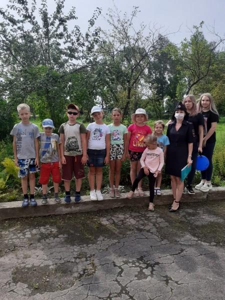 Вышневолоцкие полицейские рассказали воспитанникам детского лагеря о безопасном поведении на улицах и дорогах
