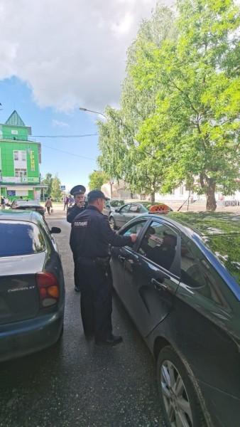 В Лихославле полицейские и общественники провели акцию «Вместе против мошенников!»