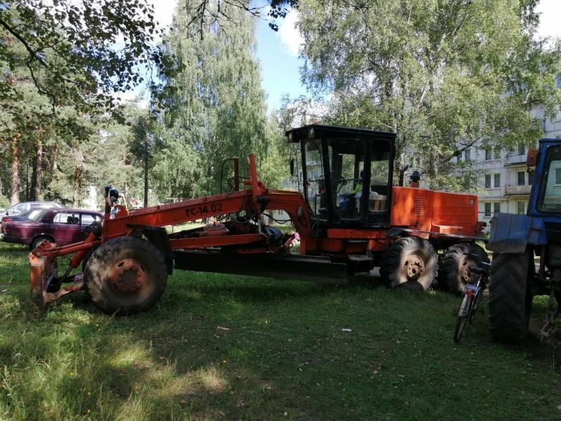 В Тверской области сотрудники полиции задержали подозреваемого в угоне автогрейдера
