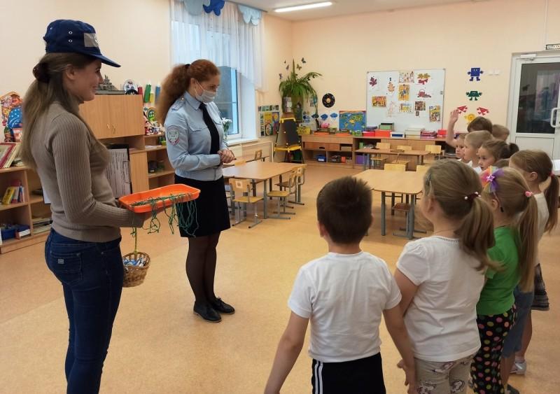 Автоинспекторы Бологовского района провели мероприятие «Школа дорожных наук»