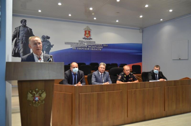 В УМВД России по Тверской области поздравили сотрудников уголовного розыска
