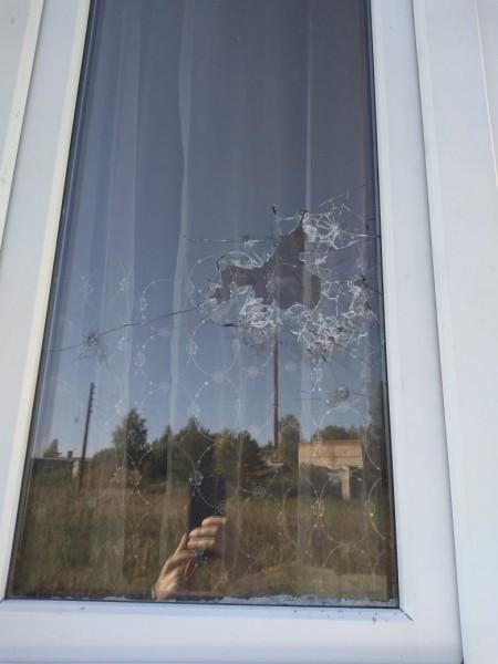 В Тверской области задержали хулигана, стрелявшего из «пневматики» по окнам жилого дома