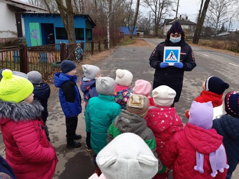 Западнодвинские автоинспекторы провели для дошкольников профилактическое мероприятие «Безопасное детство»