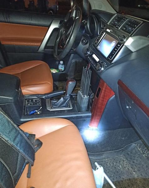В Твери полицейские задержали подозреваемых в совершении кражи автомобиля