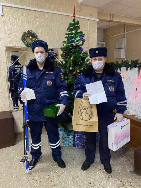 Лихославльские стражи порядка присоединились к благотворительной акции