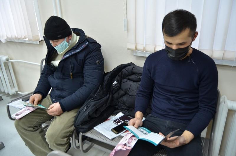 Полиция Верхневолжья проводит профилактику нарушения антинаркотического законодательства среди трудовых мигрантов
