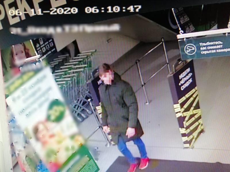 В Твери полицейские установили подозреваемых в сбыте фальшивых купюр