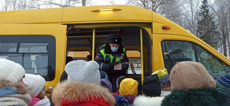 В Торжокском районе полицейские провели мероприятие «Школьный автобус»