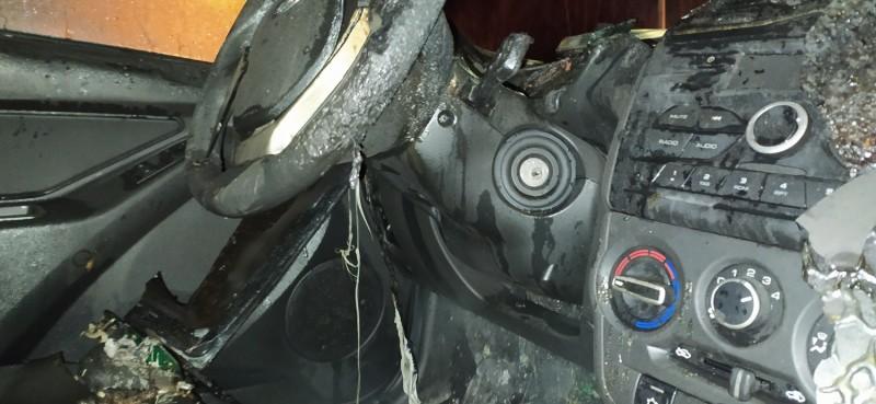 Полицейские Московского района Твери задержали подозреваемого в поджоге автомобилей