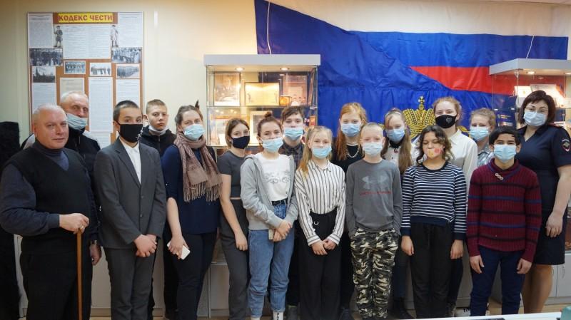 Представители Общественного совета вместе с учащимися побывали на экскурсии в музее УМВД России по Тверской области