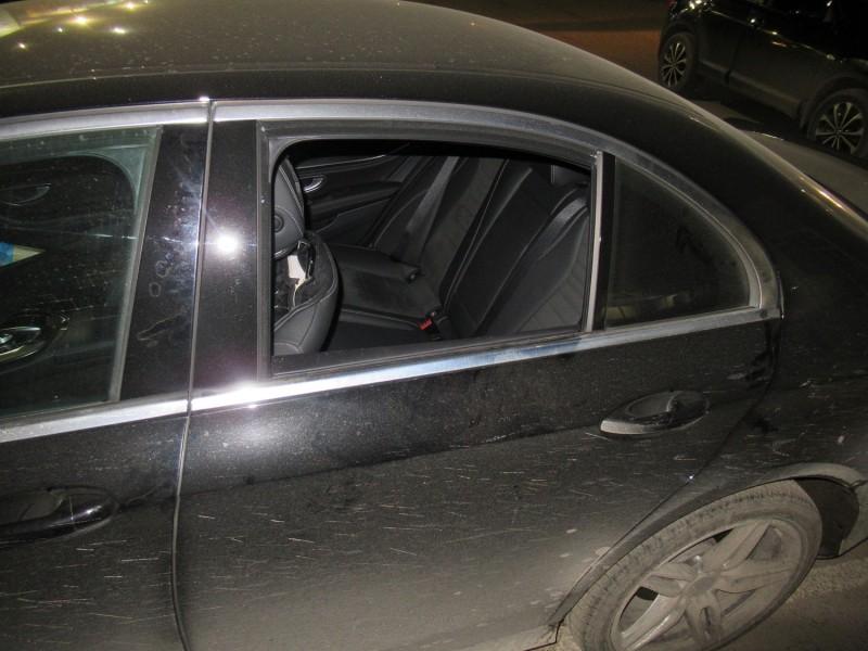 В Твери полицейскими раскрыто хищение имущества из нескольких автомобилей