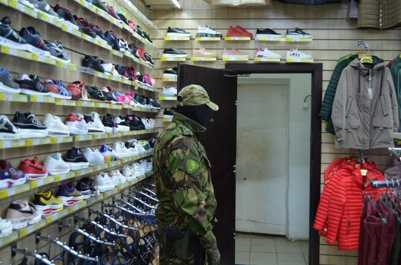 В Твери сотрудниками правоохранительных органов пресечен факт продажи контрафактной продукции